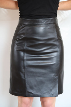 Jupe  Cuir Agneau Femme : skirt.n